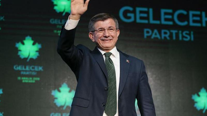 Davutoğlu: Erdoğan ile aramızdaki mutabakat gereği sustum; kimse bize geçmiş sözümüzü hatırlatmasın, mahcup olurlar