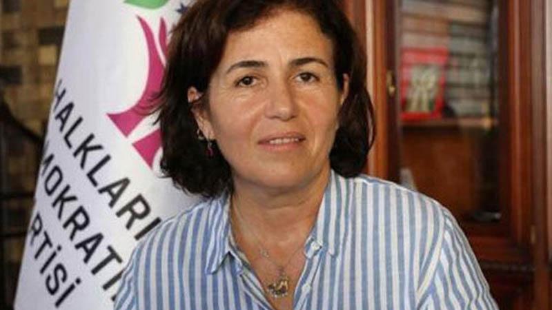 Diyarbakır'da Sur İlçe Belediye Eş Başkanı Filiz Buluttekin ve 2 meclis üyesi gözaltına alındı