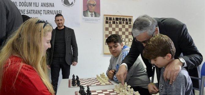 Cumhurbaşkanı Akıncı satranç turnuvası açılışını yaptı