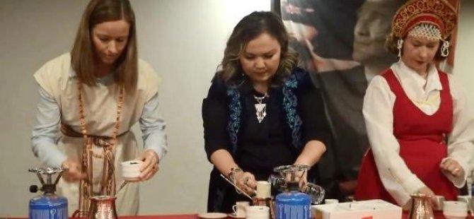 En iyi Türk kahvesini Litvanyalı gelin pişirdi