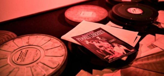 Porno dergi ve DVD koleksiyonunu atan babasına 87 bin dolarlık dava açtı
