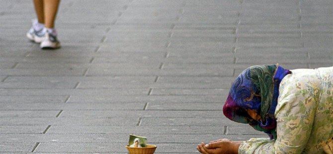 CNN Türk muhabiri dilenci kılığına girdi: Bir saatte 82 lira topladı