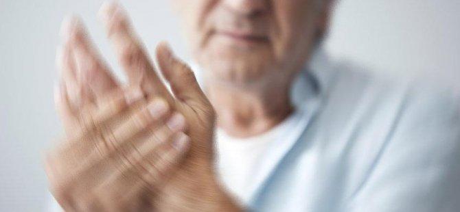 Parmağındaki uyuşma sayesinde pankreas tümöründen kurtuldu
