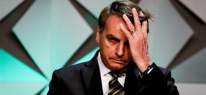 Banyoda düşüp kafasını çarpan Brezilya Devlet Başkanı Bolsonaro hastaneye kaldırıldı