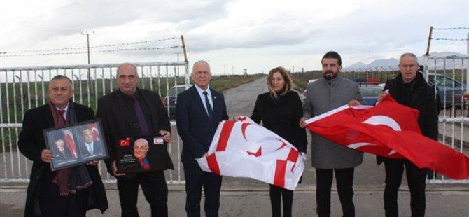 Meclis Başkan Yardımcısı ve 4 partinin milletvekilleri Geçitkale Havaalanı'nı ziyaret etti
