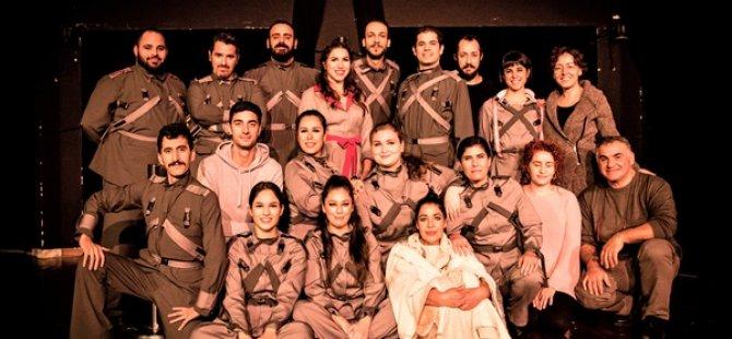 """Kıbrıs Türk Devlet Tiyatroları """"Woyzeck"""" oyununun prömiyerini gerçekleştirdi"""