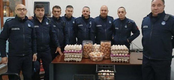 Pazarda köy yumurtası diye çiftlik yumurtası satmışlar