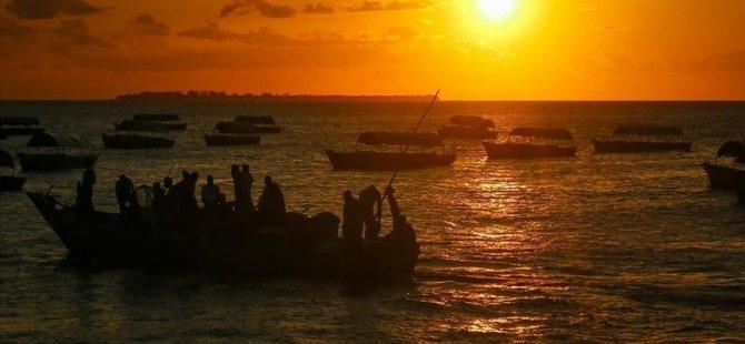 Benin'de tekne batması sonucu 100 kişi öldü