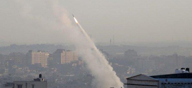 Gazze'den atılan roket Netanyahu'nun mitingini böldü