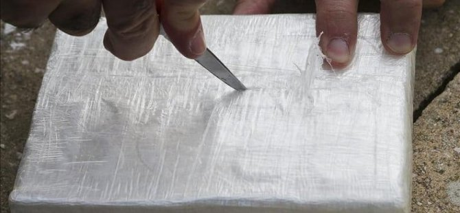 'Soya unu' süsü verilen 4.4 ton kokaini gemiye yüklenirken ele geçirildi