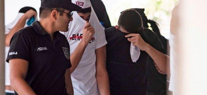 """Kıbrıs'ta İsrailli bir grubun toplu tecavüzüne uğradığını söyleyen kadın """"toplumu yanıltmaktan"""" suçlu bulundu"""