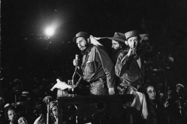 ABD'nin yanı başında sosyalist  Küba Devrimi 61 yaşında