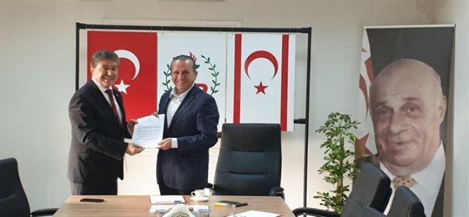 Turizm ve Çevre Bakanı Üstel, DP Genel Başkanı Ataoğlu'nu ziyaret etti