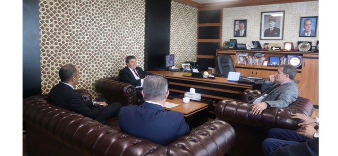 Turizm ve Çevre Bakanı Ünal Üstel, YDP Genel Başkanı Erhan Arıklı'yı ziyaret etti