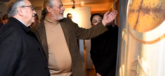 Cumhurbaşkanı Akıncı Charalambous'un retrospektif sergisini gezdi