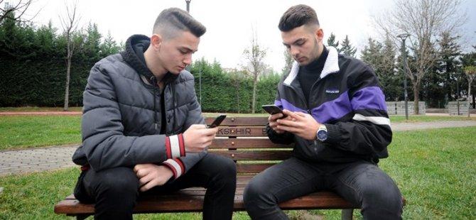 Bursalı gençler Apple'ın açığını buldu, ödülü beğenmedi