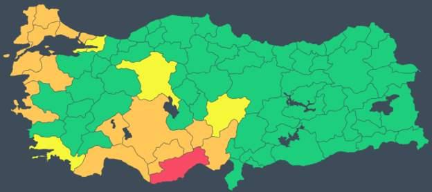 Akdeniz, Ege ve Marmara kıyılarında fırtına ve yoğun yağış: Mersin için kırmızı uyarı