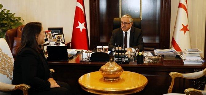 Cumhurbaşkanı Akıncı, KKTC Muskat temsilciliği'ne atanan emine Ertürk'ü kabul etti