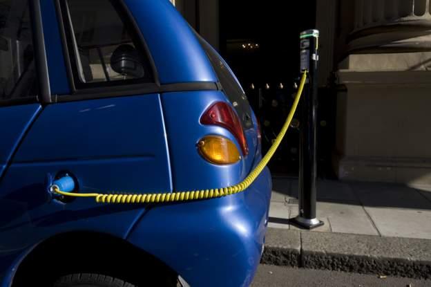 Enerji ve Tabii Kaynaklar Bakanı Dönmez: Elektrikli otomobil için 1 milyon şarj istasyonu kurulacak