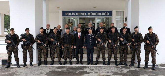 Uluçay'dan polise anlamlı ziyaret