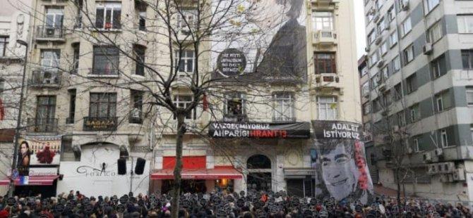 Hrant Dink için Agos'un önünde anma: 'Buradayız, vazgeçmiyoruz Ahparig'