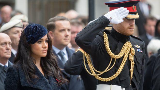 Prens Harry ve Meghan Markle Kraliyet unvanlarından vazgeçiyor