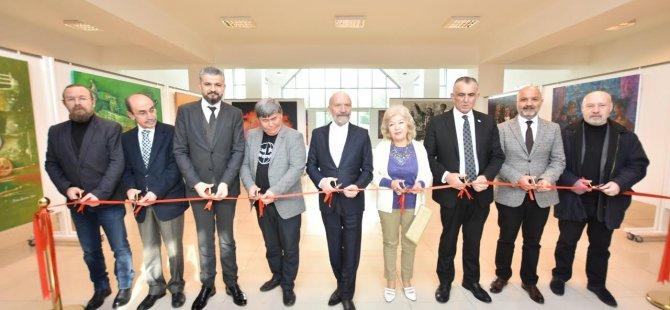 İki ayrı kişisel resim sergisi Milli Eğitim ve Kültür Bakanı Nazım Çavuşoğlu tarafından açıldı