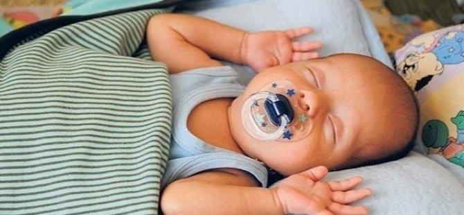 Bebek sallayanlar dikkat! 'Sarsılmış bebek sendromu' ani ölüme neden olabilir
