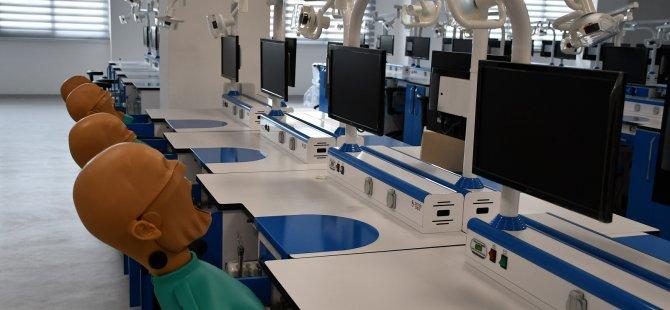 DAÜ Diş Hekimliği Fakültesi eğitime başlıyor