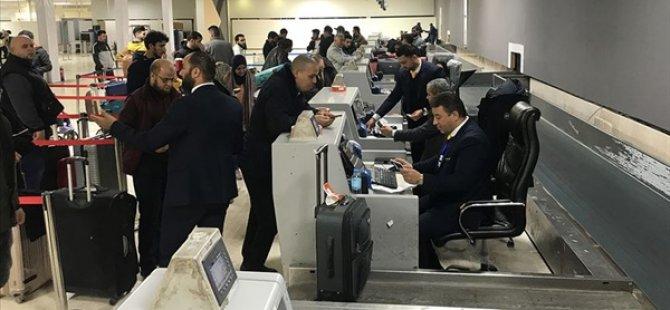 Hafter Güçlerinin Hedef Aldığı Mitiga Havalimanı'nda Uçuşlar Yeniden Başladı