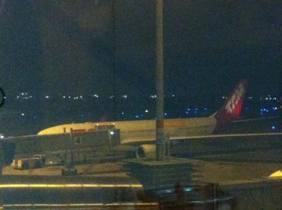 Uçak türbülansa girdi: 12 yaralı