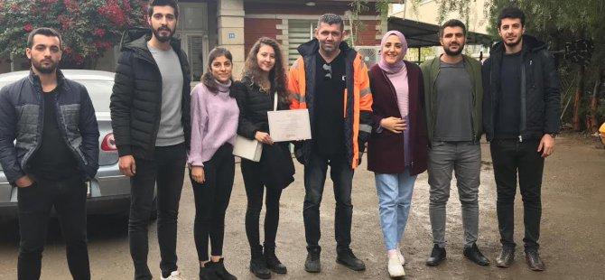 """LAÜ Öğrencileri """"Arkadaşım İnsan """" projesi kapsamında  Hayvan Barınağına Bağış Yaptı"""
