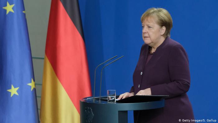 Merkel: Irkçılık toplumumuz içindeki zehirdir