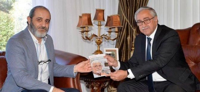 Cumhurbaşkanı Akıncı, yazar Ferhat Atik'i kutladı