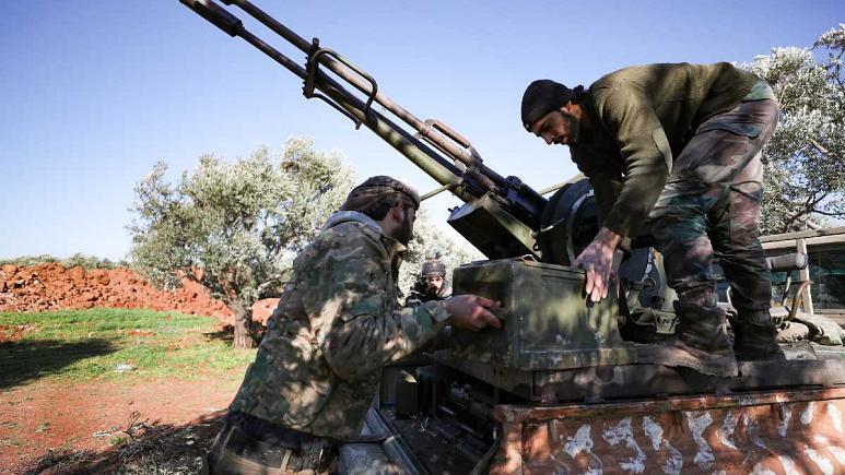 İdlib'de muhalifler 3 hafta önce çekildikleri Serakib ilçesini geri aldı
