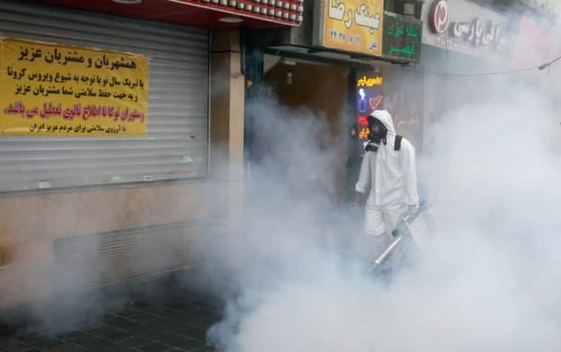 İran'da 97 kişi daha koronavirüs nedeniyle öldü
