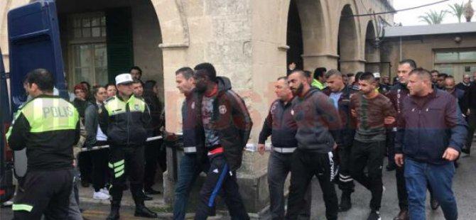 Polisi darp etmişlerdi… Futbolcular teminatla serbest