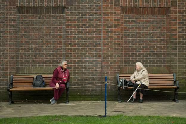 İngiltere'deki Acil Durumlar için Bilimsel Danışma Grubu: Sosyal mesafe önlemleri en az yılın yarısına kadar geçerli olabilir