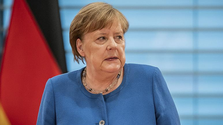 Merkel'in Covid-19 testi negatif çıktı ancak Alman Başbakan karantinada kalmaya devam edecek