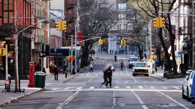 Koronavirüs salgının yeni merkezi olan New York'taki doktorlar: 'Tesislerimiz üçüncü dünya ülkesi hastaneleri gibi'