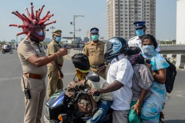 Hindistan'da koronavirüsle mücadelede yaratıcı yöntemler