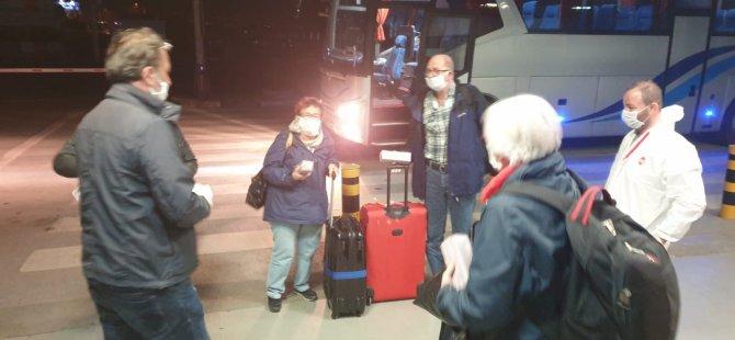 Alman turistler ülkelerine gönderildi!
