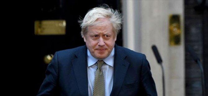 Johnson, 19 Temmuz'da planlandığı gibi sosyal mesafe ve maske gibi sınırlamaları kaldıracaklarını duyurdu