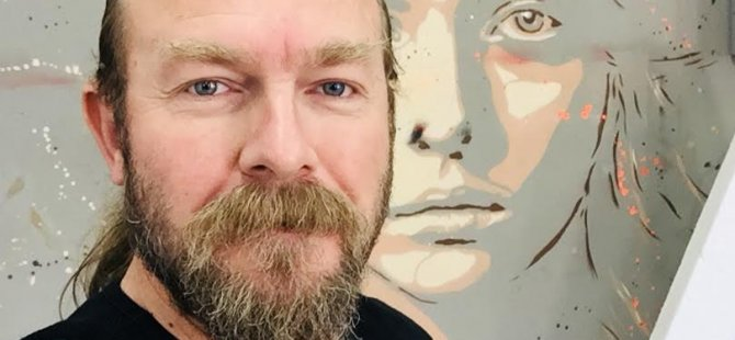 Akademisyen-Sanatçı Doç.Dr.Erdoğan Ergün, Kıbrıs Modern Sanat Müzesi için Stencil Tekniği ile Kovid-19'a karşı mücadeleyi tuvale yansıttı