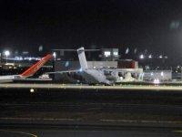 Türkiye'nin gönderdiği koruyucu ekipmanlar İngiltere'ye ulaştı