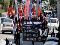 Cumhurbaşkanlığı ve Meclis önünde eylem