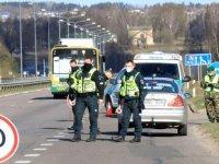 Estonya, Litvanya ve Letonya kendi aralarındaki seyahat kısıtlamalarını kaldırdı
