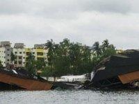 Hindistan Ve Bangladeş'te Etkili Olan Amphan Kasırgası'nda Ölü Sayısı 24'e Yükseldi