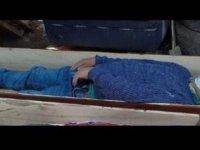 Perulu belediye başkanı karantinayı ihlal edip içki içerken basıldı, yakalanmamak için tabuta girip ölü taklidi yaptı
