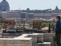 İtalya'da Kovid-19'dan Ölenlerin Sayısı 32 Bin 955'e Yükseldi